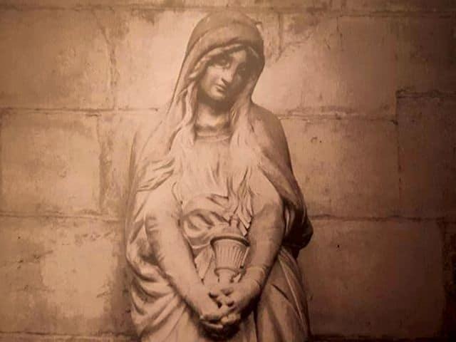 a. Venus en de ring van MM Ste.-Marie-Madeleine-Vézelay-1-foto-J.-Gadreau